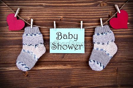 baby dusche auf einem etikett