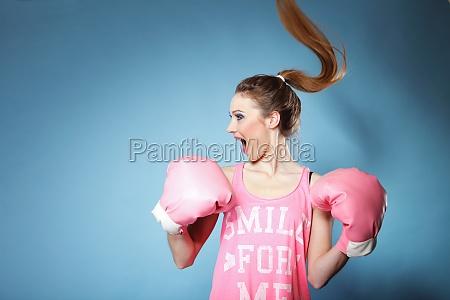 weibliches boxer modell mit grossen spass