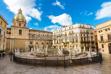 fontana pretoria in palermo sizilien italien