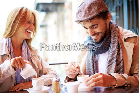couple in cafe