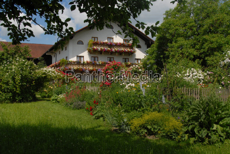 grosskarolinenfeld farmhouse