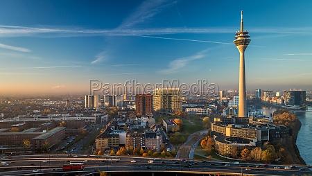 deutschland nrw duesseldorf cityscape wahrzeichen fernsehturm