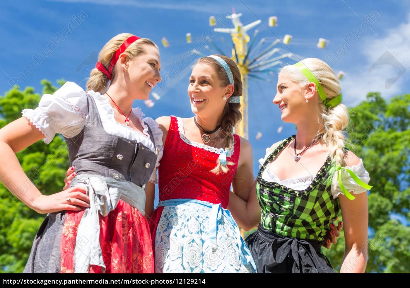 freundinnen, besuchen, , volksfest, haben, spaß - 12129214
