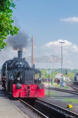 anfahrt einer dampf lokomotive
