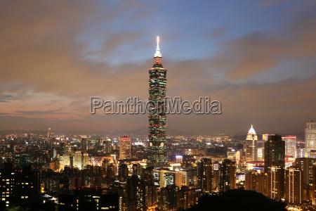taipei taiwan panorama evening with taipei