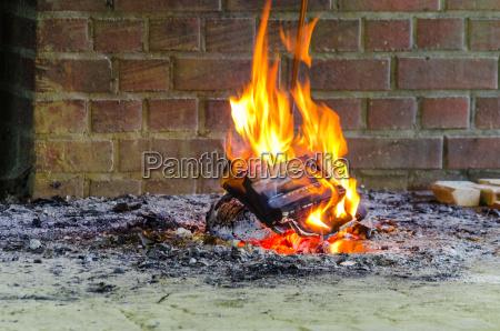 feuer flammen offener kamin