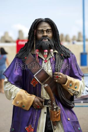 pirat eine holzskulptur