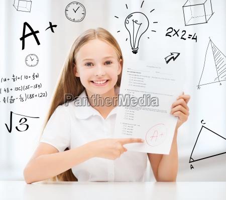 pige med test og a grade