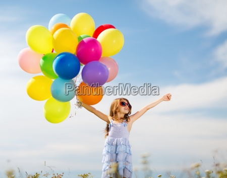 fröhliches, mädchen, mit, bunten, luftballons - 12368262