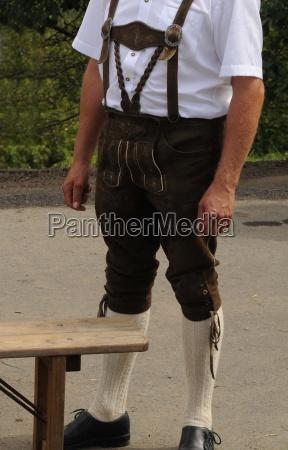 mann manner lederhosen lederhose tracht mode