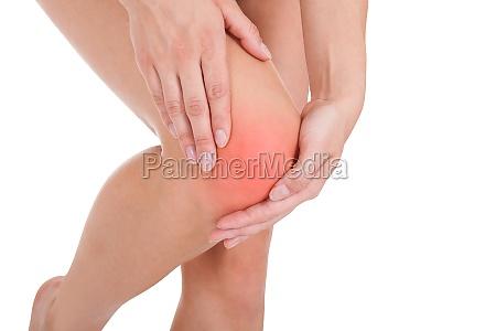 frau die beinverletzung