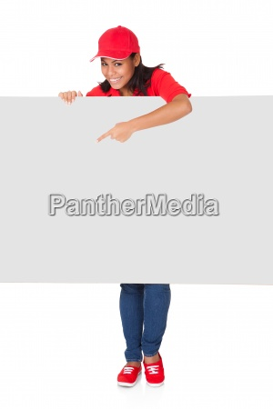 junge pizza woman presenting banner