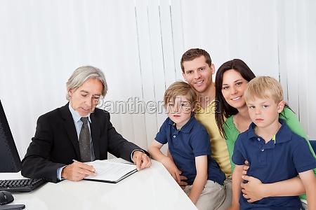familie an der unternehmensberater buero