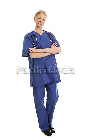 laechelnde krankenschwester mit stethoskop