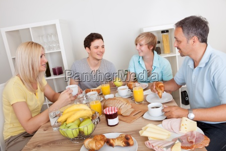 glückliche, familie, genießen, frühstück - 12412822
