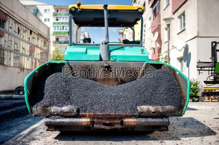 industrieflader der frische asphalt und bitumen
