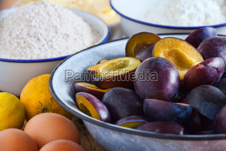 ingredients for a crumble plum cake