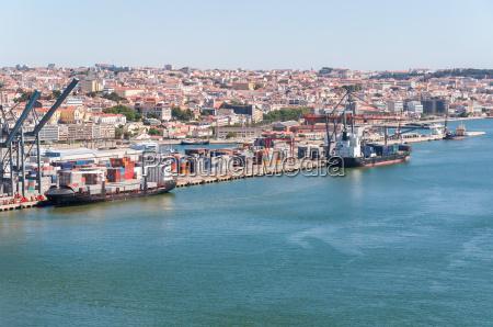 hafen von lissabon in portugal