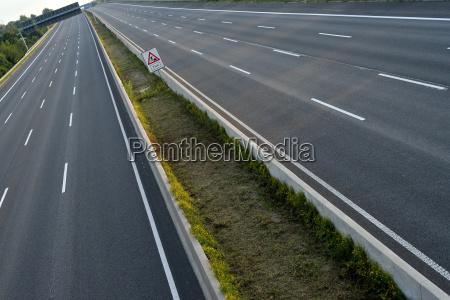 empty 8 lane highway