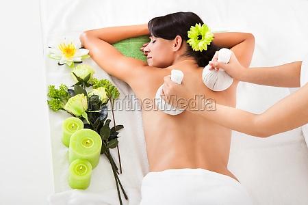 heiss behandlung massage massieren heilbehandlung drang