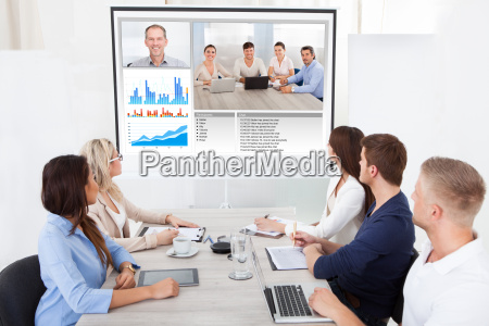 business team aufwarten videokonferenz