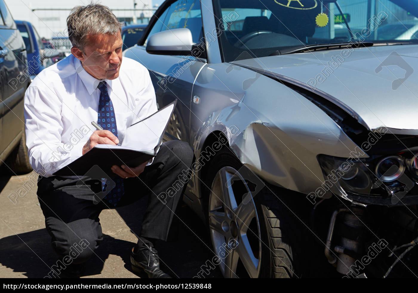 schreiben, schreibend, schreibt, auto, automobil, personenkraftwagen - 12539848