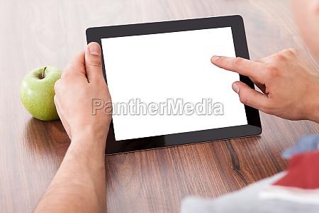 student verwenden von leeren tablet pc