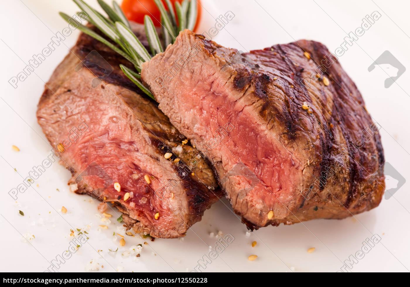 medium, gebratenes, rindersteak, filet, mit, pfeffer - 12550228