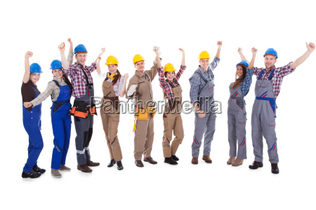 gruppe jubelnder handwerker