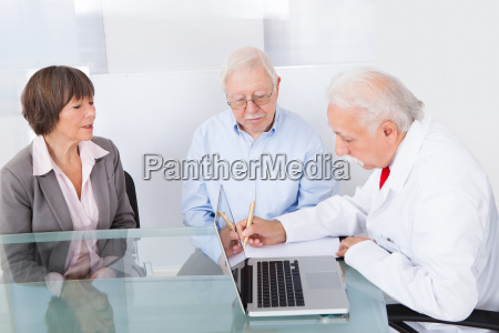 doktor schreiben rezept fuer aeltere paare