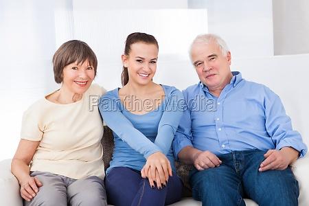 glückliche, caregiver, mit, seniorenpaar - 12554844