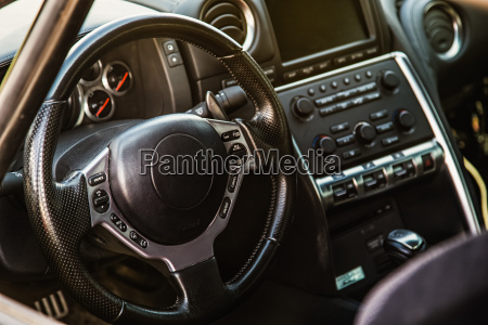 innenraum des sportwagens