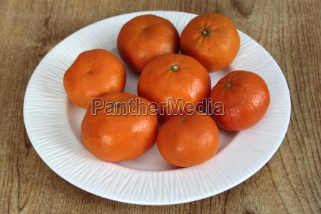 plate of mandarin oranges