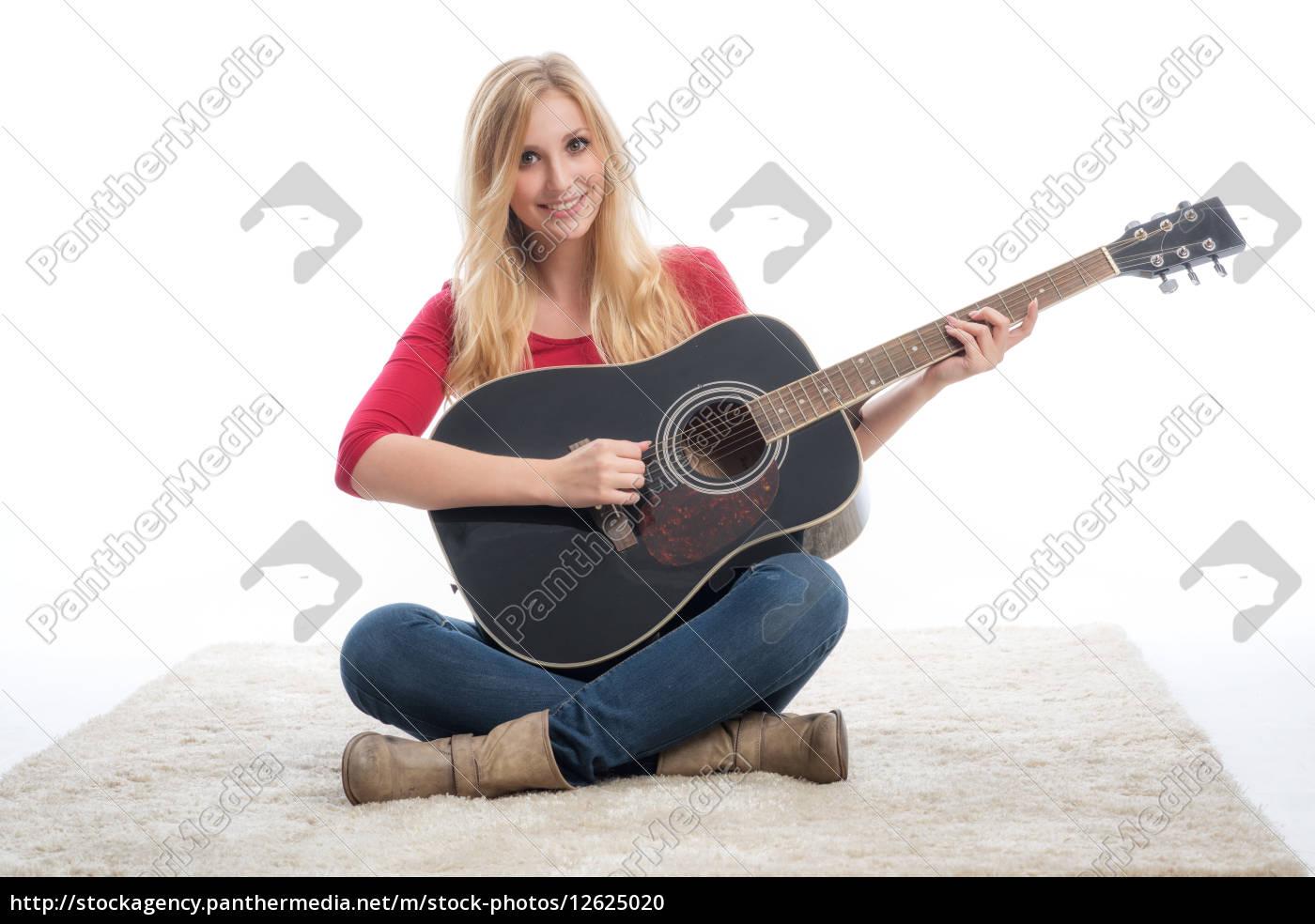 frau, mit, gitarre - 12625020