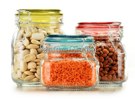 glaeser mit den kornnahrmitteln lokalisiert auf