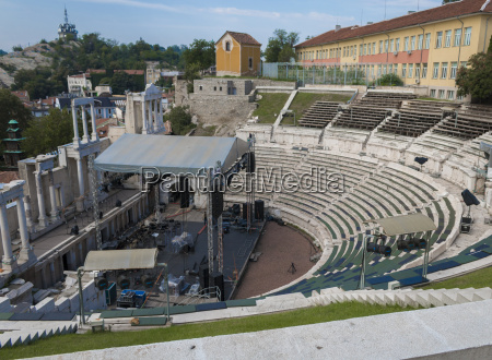 das antike roemische amphitheater plovdiv bulgarien