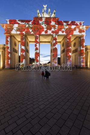 brandenburg gate to the festival of