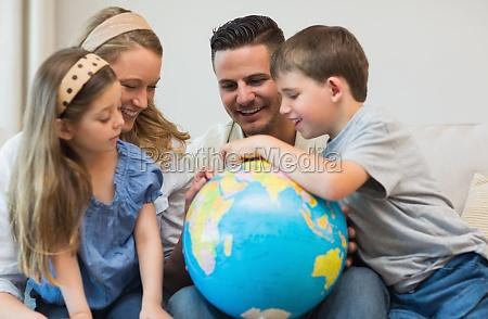 familie orte auf dem globus suchen