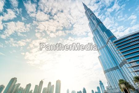burj khalifa verschwinden in den blauen