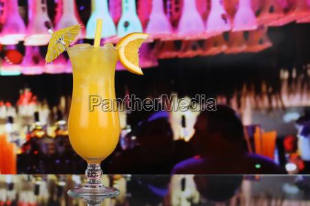 orangen fruechte cocktail saft in einer