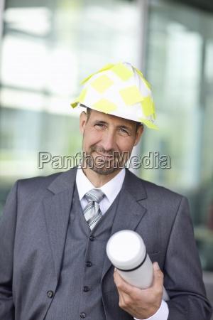 portrait von reifen mann im anzug