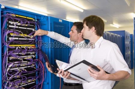 it techniker die ueberpruefung lan kabel