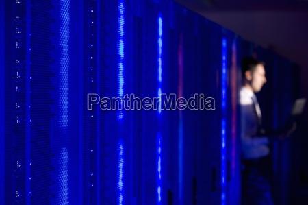 blau menschen leute personen mensch laptop