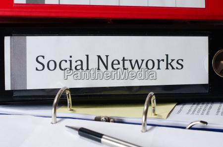 ordner mit ordnerruecken social networks