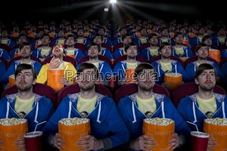 geklonte publikum film im theater