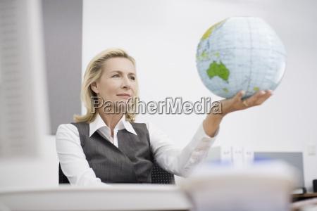 ufficio mano ambiente verde guardare osservare