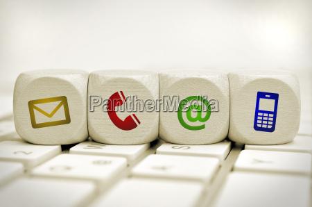 website und internet kontakt seite konzept