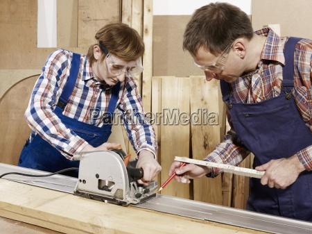 horizontal series waist up workshop standing