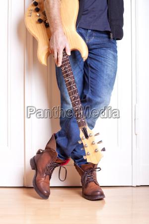 detailaufnahme gitarrist