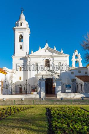 die kirche am friedhof von recoleta